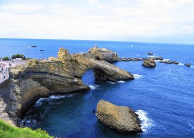 surf à la cote des basques,cours de surf,biarritz,location en direct,surfer